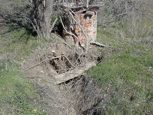 abandoned-water-well